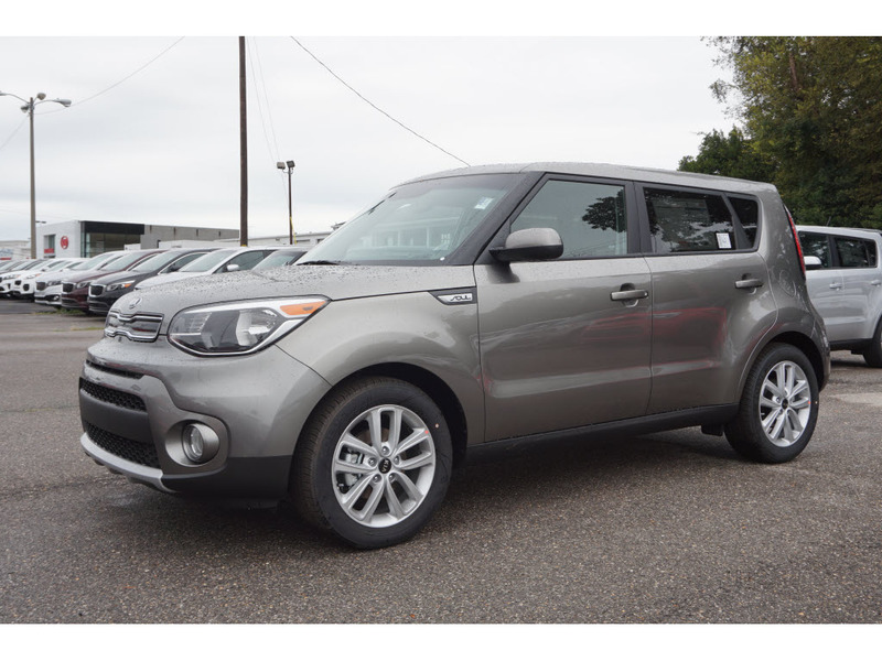 new 2019 kia soul 4 dr hatchback in tuscaloosa k5066 julio jones kia. Black Bedroom Furniture Sets. Home Design Ideas